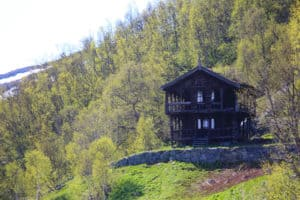 traditional-norwegian-wooden-house