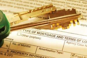 Mortgage application & keys. Shallow depth of field.