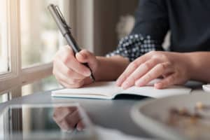 can anyone become a freelance writer