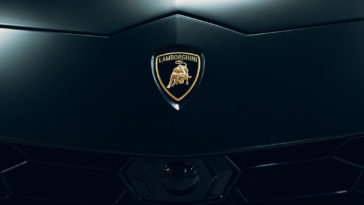 Lamborghini Urus black sport car nameplate
